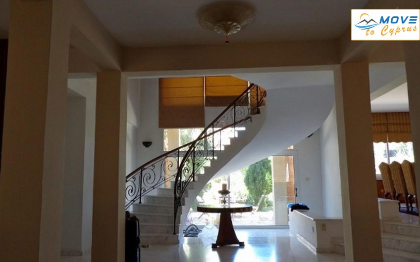 5 bedroom Villa for sale in kalogirous
