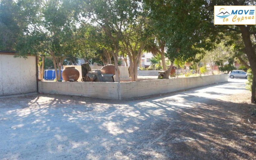 House for Sale in Agia Fyla – 6 Bedroom Detached